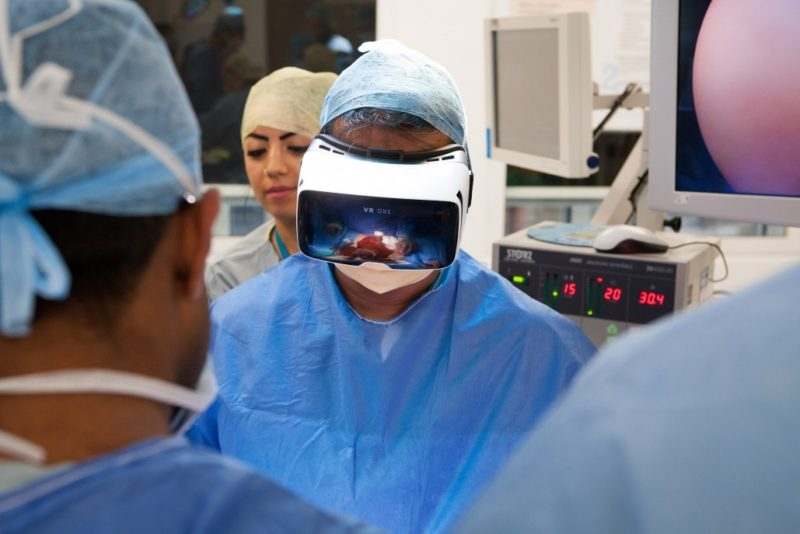 Virtual Reality and Augmented Reality in Healthcare